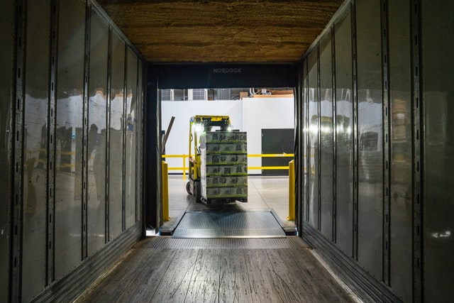 Inovasi Industri Logistik dengan Internet of Thinks